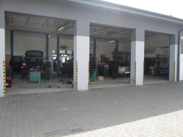 Servisné stredisko pre montáž ťažného zariadenia